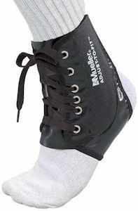 Регулируемый бандаж на голеностопный сустав Mueller Adjust-to-Fit Ankle Brace